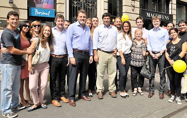 Vidriera PRO. Los candidatos locales de Unión PRO Federal hicieron un acto en la peatonal Córdoba.