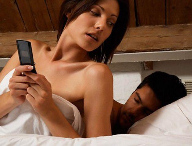 La temporada alta de la infidelidad tiene significativamente más mujeres que hombres.