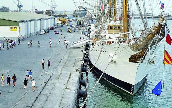 La nave estaba retenida desde el 2 de octubre en Ghana por una medida judicial tras un reclamo impulsado por fondos buitre. (Foto archivo)