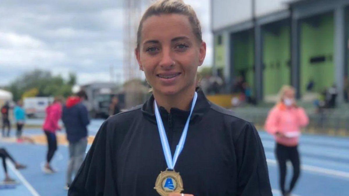 la-atleta-evangelina-thomas-actual-campeona-nacional-800-metros-corrio-y-atrapo-un-ladron
