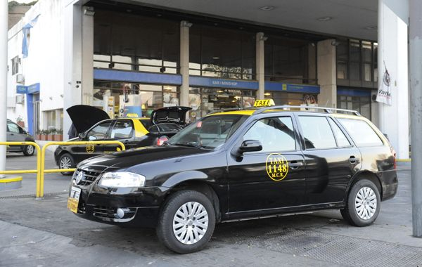 Los taxistas irán hoy al Concejo a plantear que necesitan un aumento.