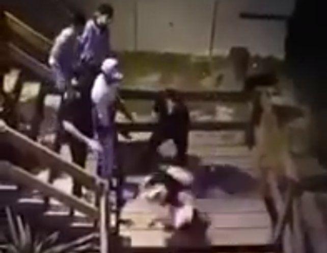 Un patovica tiró a una chica por las escaleras le provocó una fractura expuesta