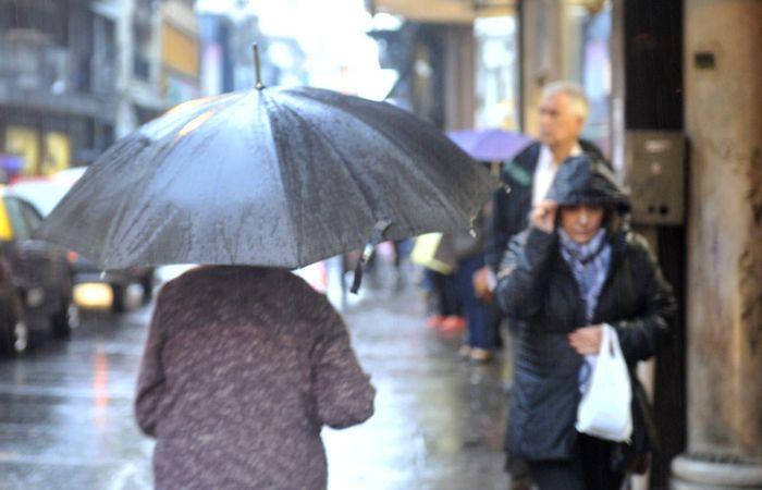 El meteorólogo manifestó que las condiciones del tiempo mejorarán a partir de mañana.