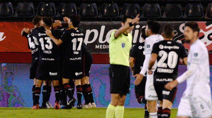 Grito necesario. El equipo del Mono necesita un triunfo resonante en Asunción para seguir prendido al sueño de la Sudamericana.