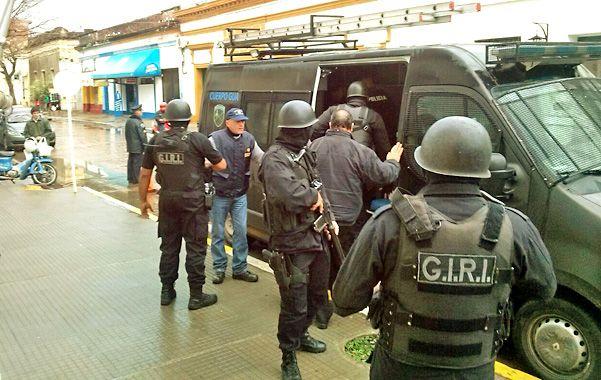 Traslado. Ramírez fue capturado en Goya el lunes y traído a Rosario.
