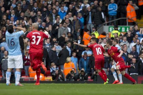 Liverpool se afianzó en la punta de la Liga inglesa.