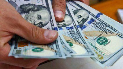 Nuevo récord: el dólar libre cerró la semana a 195 pesos