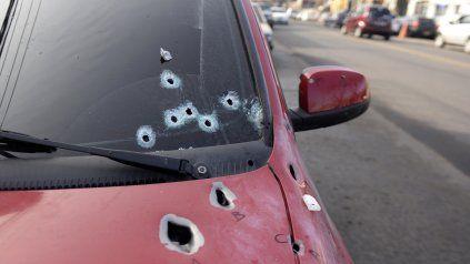 El auto en el que iba Gómez quedó repleto de balazos, de los cuales al menos 10 impactaron en la víctima.