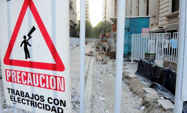 Once zonas de la ciudad sufrirán cortes programados en el amanecer del domingo.