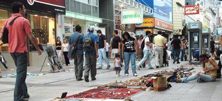 El paro de trabajadores municipales convirtió al centro rosarino en un caos