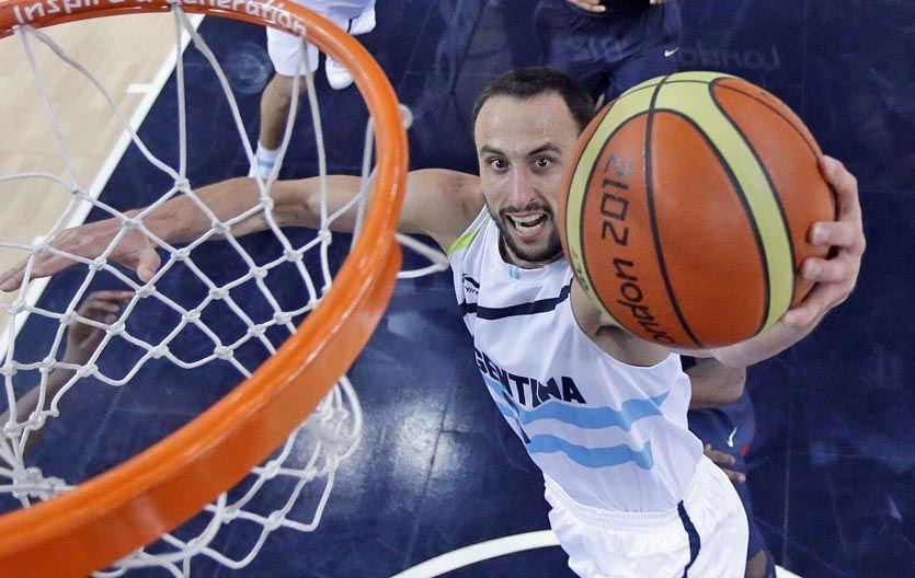 Con la camiseta. Ginóbili responderá al final de la temporada de la NBA.