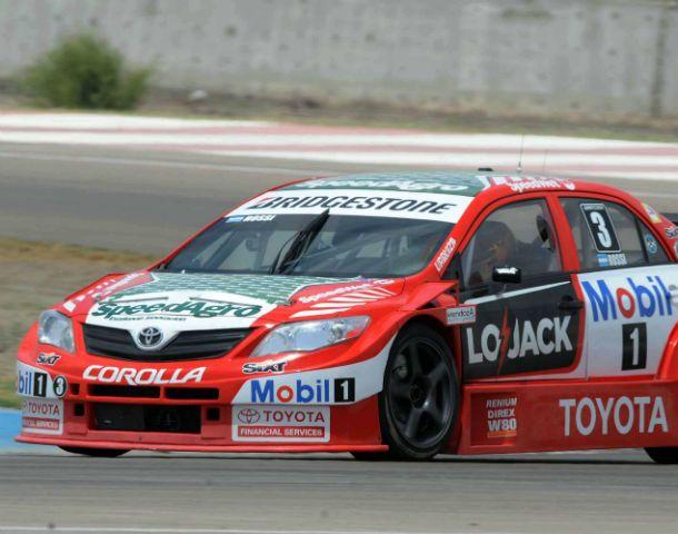 Le alcanzó igual. El Corolla de Matías Rossi detuvo su marcha en la 14ª vuelta.