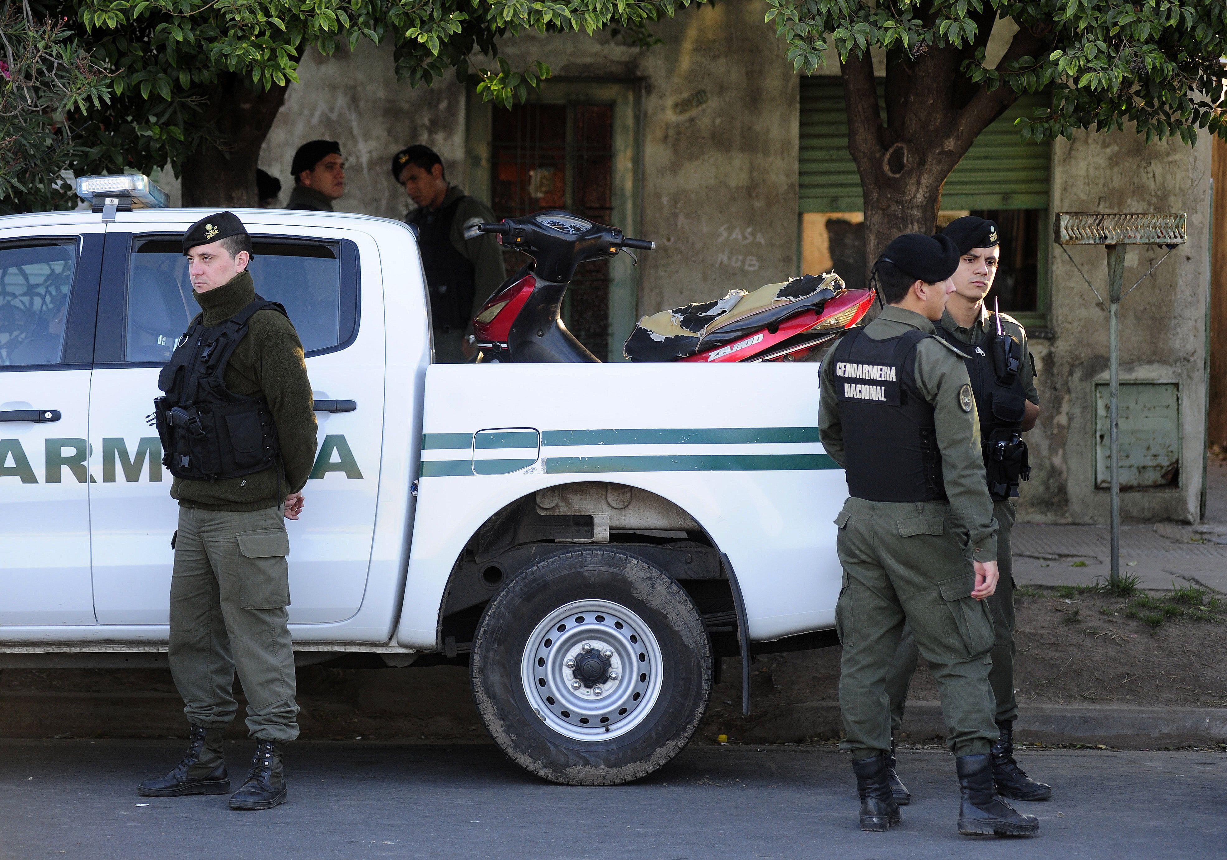Gendarmería desplegó un amplio operativo en la zona. (Foto: Héctor Río)