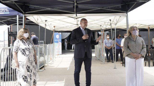 Perotti este mediodía junto a las ministras de Salud