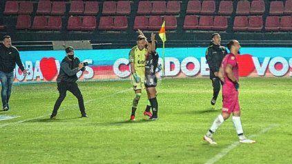 Otra noche consagratoria de Leonardo Burián en Colón