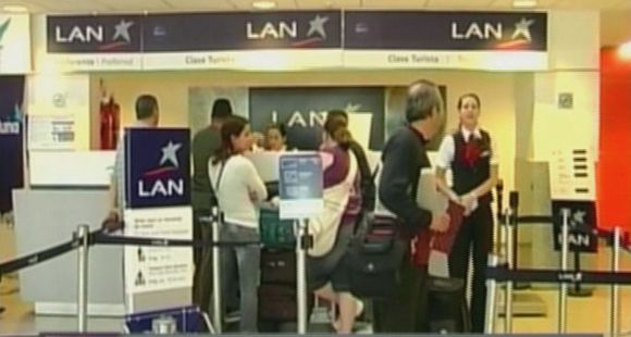 La Justicia federal no renovó el permiso y LAN deja de volar desde Rosario