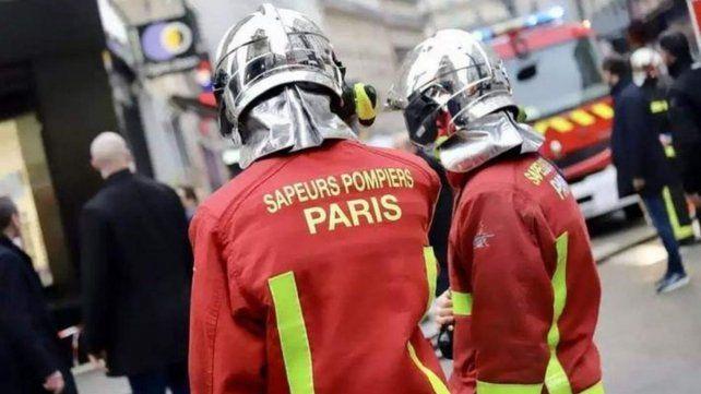 Investigan a seis bomberos de París por presunta violación a una joven