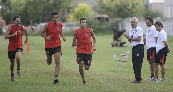 Newells entrena en doble turno en Bella Vista y Díaz se perfila para reemplazar a Pérez