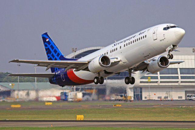 El Boeing 737 desaparecido transportaba a más de 60 personas