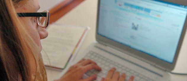 El relevamiento revela que hoy los ingresantes a la facultad son nativos digitales. (Foto: G. de los Ríos)