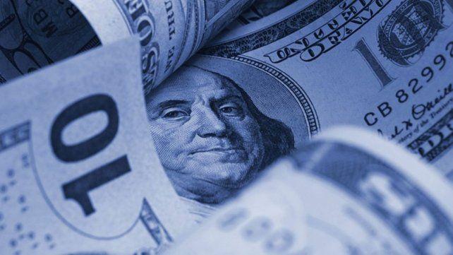 El dólar oficial subió en una jornada en la que los dólares bursátiles también marcan alzas.