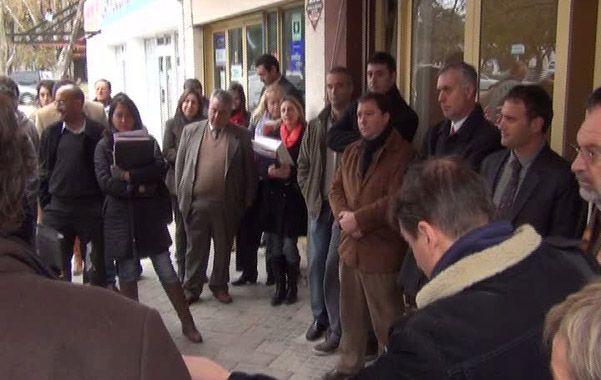 Protesta. Unos 30 abogados denunciaron la denegación de justicia en Cañada.