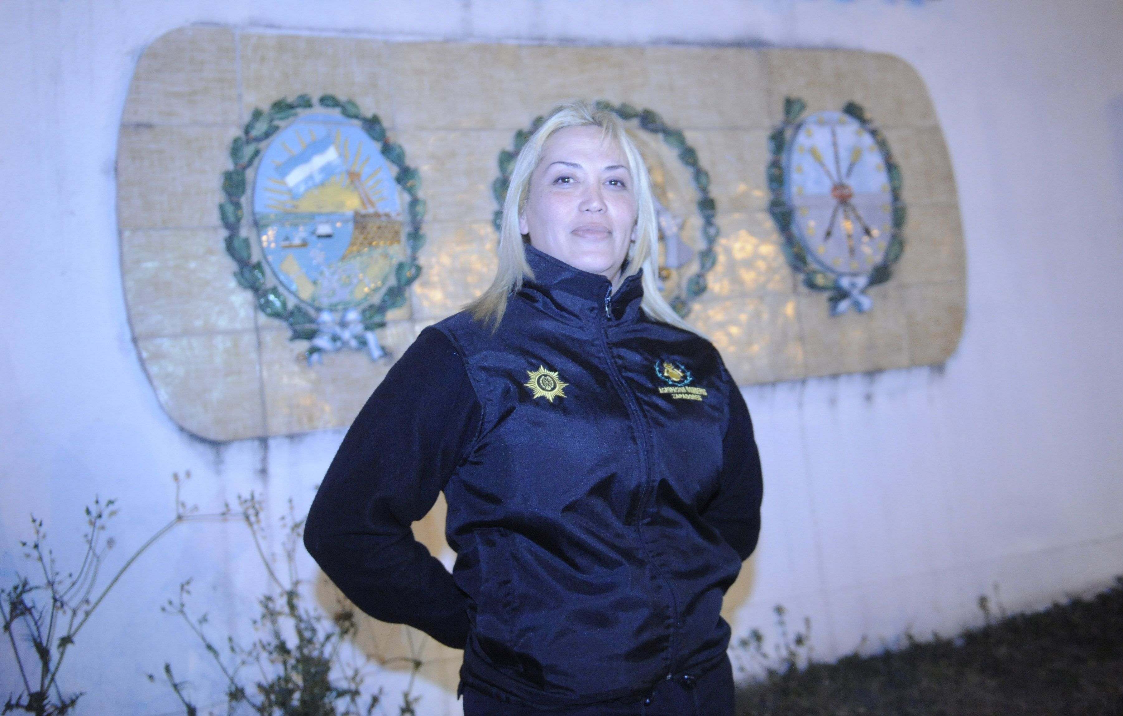 Pionera. Angie Alvarez fue la primera trans en convertirse en bombero. Ahora se debate el cupo en el municipio.