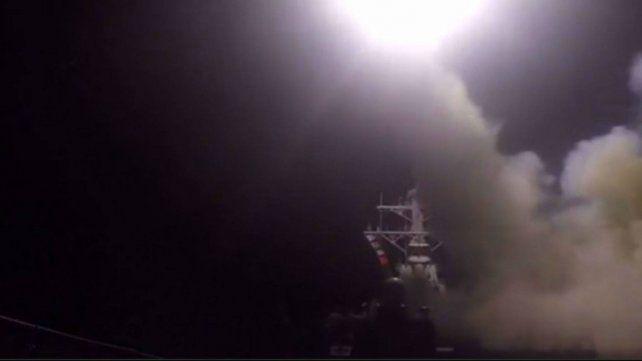 imágenes de uno de los misiles lanzados hoy sobre Siria.
