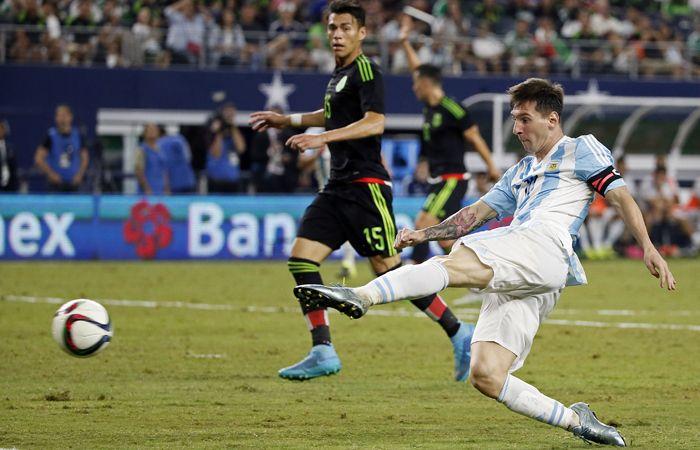 Messi fue autor del tanto de la igualdad argentina sobre el final del partido ante México.