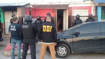Uno de los operativos realizados el miércoles en el Gran Buenos Aires para dar con la banda delictiva.