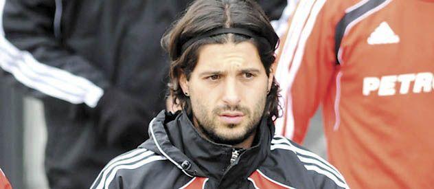 Una hoguera. La salida de Domínguez sigue levantando polémica.
