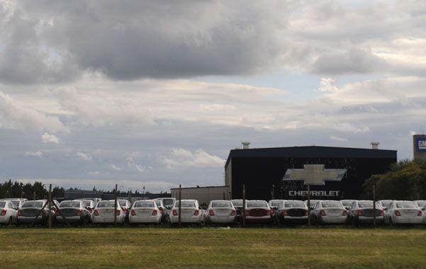Stock. La caída en las ventas a Brasil obligó a General Motors a bajar la producción en Alvear. Habrá suspensiones. (foto: Silvina Salinas)