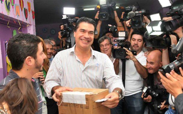 Jorge Capitanich emitió su voto esta tarde en Resistencia.