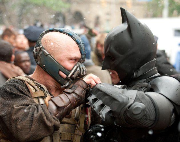 Bane es el villano que en esta última película lucha contra Batman.