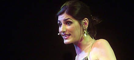 En violento asalto le robaron 30 mil dólares a la cantante Cecilia Milone