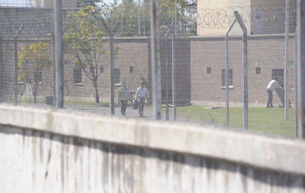 Ida y vuelta. Los dos presos volvieron a la alcaidía tras el cumpleaños.