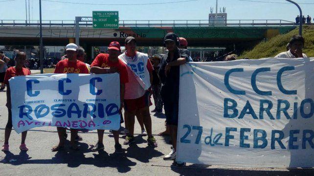 Trabajadores no dejan la calle y se movilizan