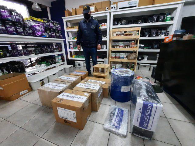 Los allanamientos para secuestrar una sustancia hecha a base de dióxido de cloro se realizaron en varias provincias.
