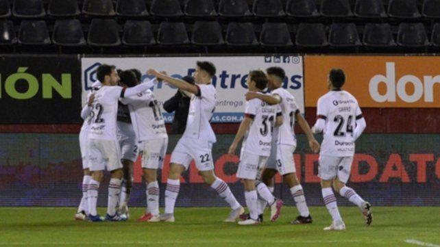 Festejo. El equipo de Gamboa señaló goles en los tres partidos que disputó de local por distintas vías.