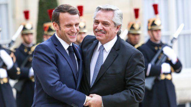 Contacto en Francia. Macron recibió a Fernández en el Palacio del Elíseo.