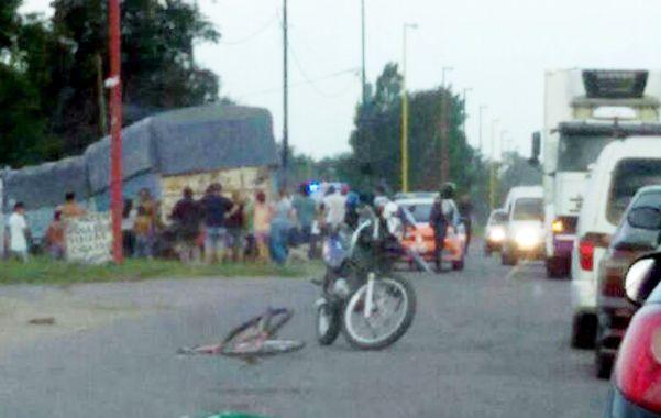Accidente y desenlace. La primera foto registra el momento posterior al accidente