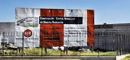 Los carteles de las obras públicas también están en clara infracción