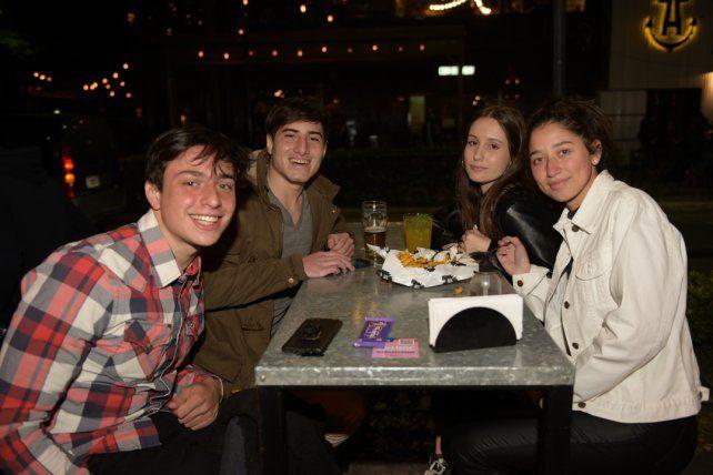 Damián Kohan, Uriel Heis, Sofia Travella y Regina Ortolani.