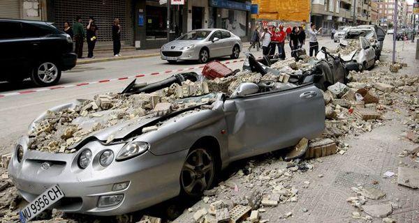 Llegan a nueve los muertos y hay un 80 por ciento de las viviendas afectadas por el sismo en Lorca