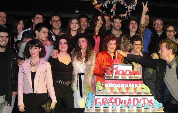 Los actores celebraron el éxito del programa y su Disco de Oro.