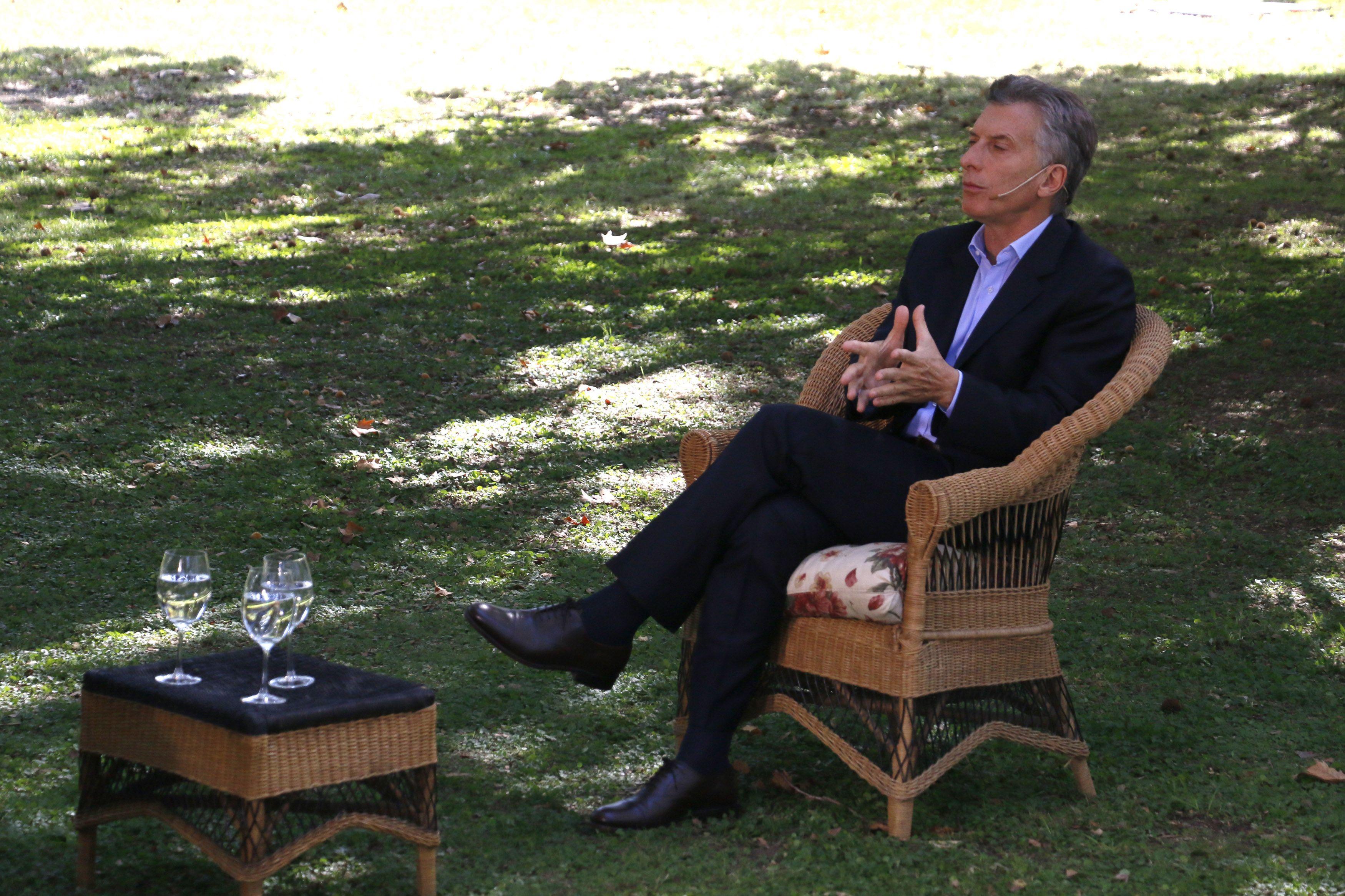 """El presidente dijo no compartir las denuncias de Carrió contra Angelici. """"No hay operadores"""""""