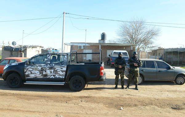 Vigilada. Una de las viviendas allanadas ayer en Venado Tuerto por la Tropa de Operaciones Especiales.