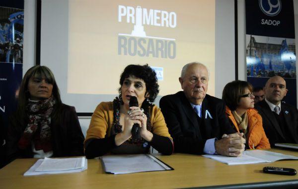 Norma López y Héctor Cavallero lanzaron su la lista Primero Rosario con su precandidatura al Concejo Municipal de Rosario (Foto: S. Toriggino).