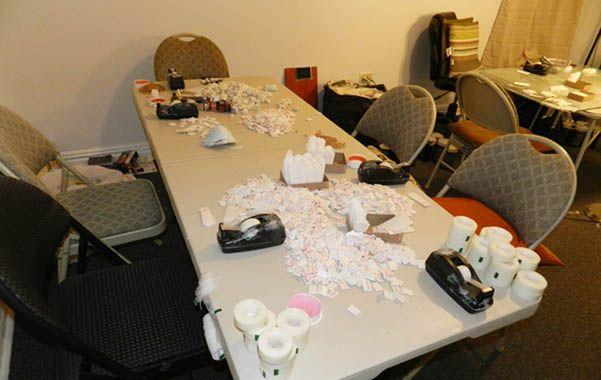 Evidencia. Un centro de envase y distribución de heroína hallado por la policía en un departamento del Bronx.