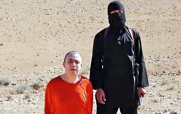 Barbarie. Henning antes de morir. Fue secuestrado en diciembre cuando integraba una caravana de ayuda en Siria.